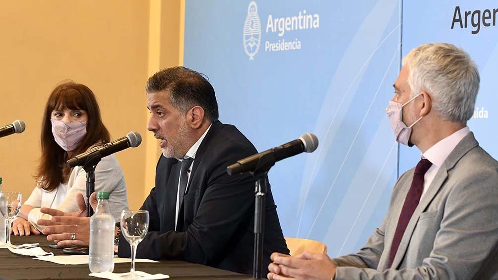 La titular de la TV Púbica, Rosario Lufrano, el subsecretario de Medios Públicos, Claudio Martínez, y Meritello.