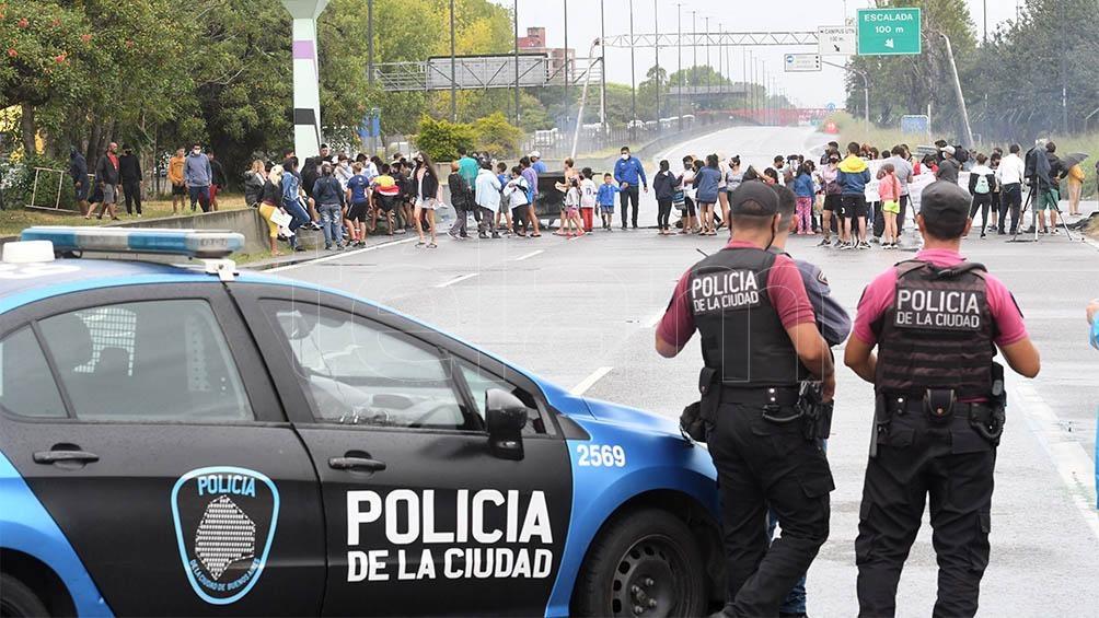 La búsqueda motorizó efectivos policiales y vecinos de la Ciudad de Buenos Aires y localidades bonaerenses.