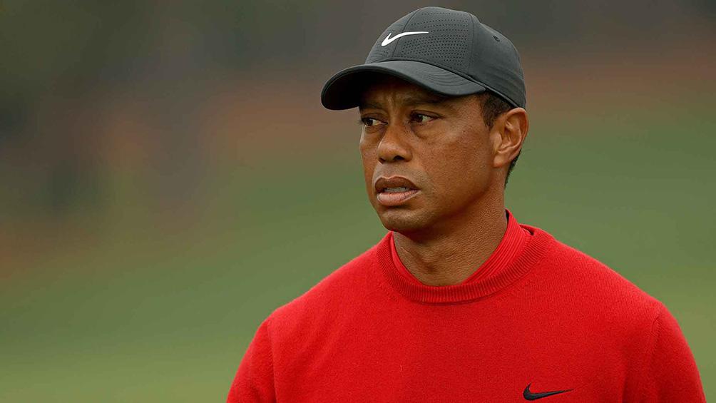 Tiger Woods manejaba a una velocidad de casi 140 kilómetros por hora cuando se accidentó