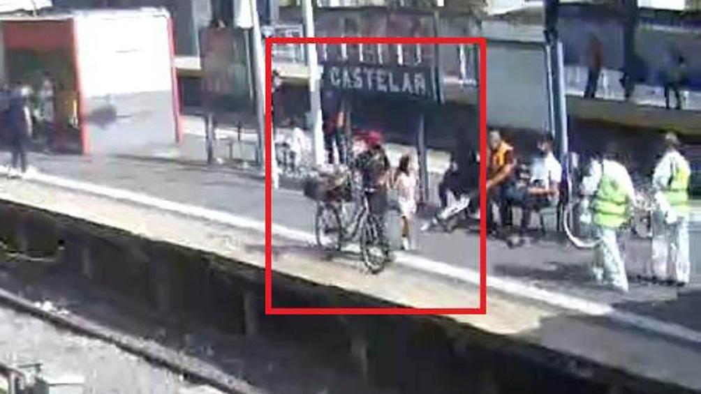 Cámaras de seguridad siguieron los pasos del raptor y la niña.