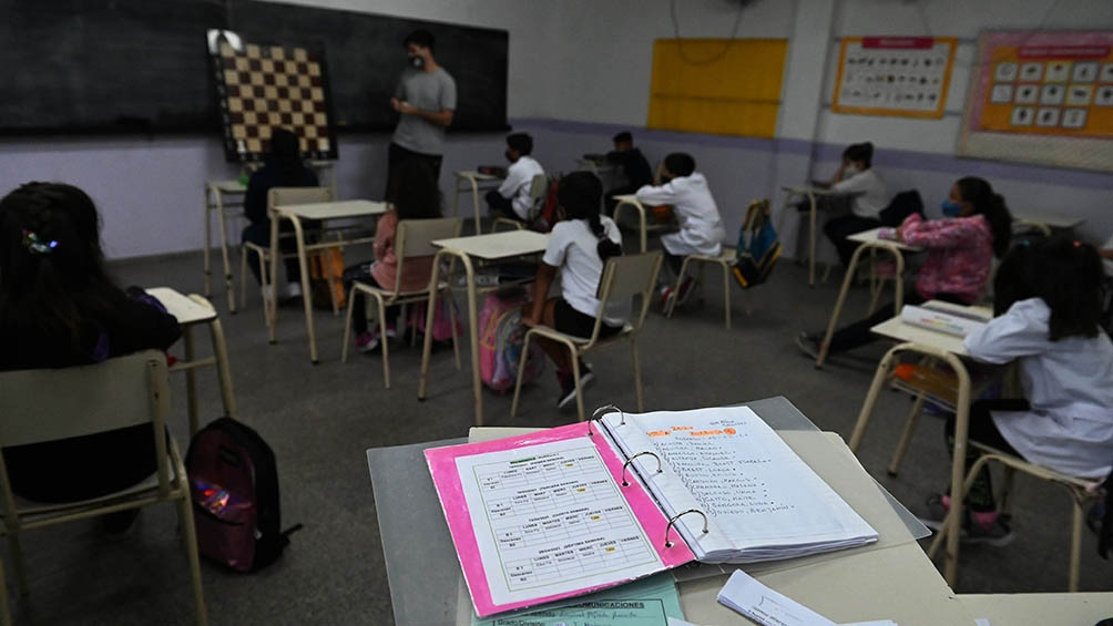 Serán 15 las provincias que mantenían las clases presenciales o con sistema mixto, con concurrencia a las escuelas en turnos alternados