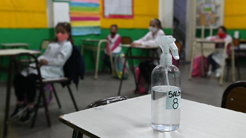 Para Orduna en las escuelas se cumplen todos los protocolos, con lo cual la presencialidad no es responsable de la suba.