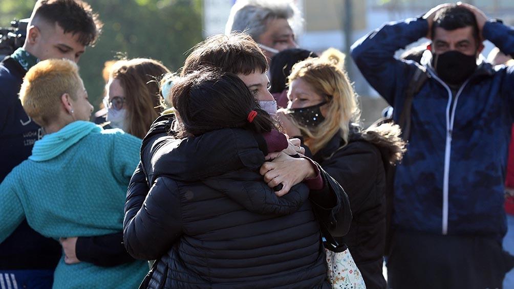 Familiares y vecinos de la niña de 7 años celebraron su aparición.
