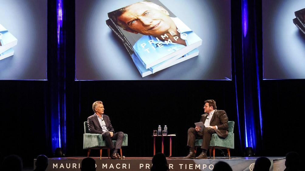 """Macri hizo busca que su libro """"Primer tiempo"""" sea el puntapié para su retorno a la arena política."""