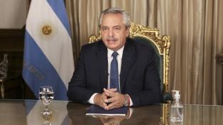 Alberto Fernández felicitó a Guillermo Lasso