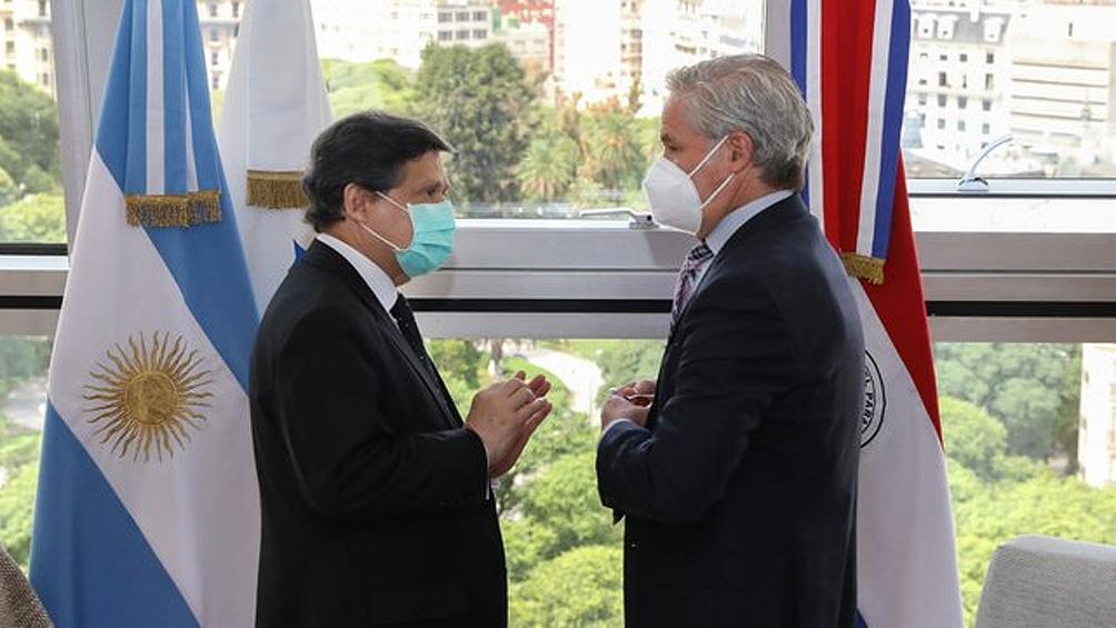 Felipe Solá y Euclides Roberto Acevedo Candia se reunieron este jueves.