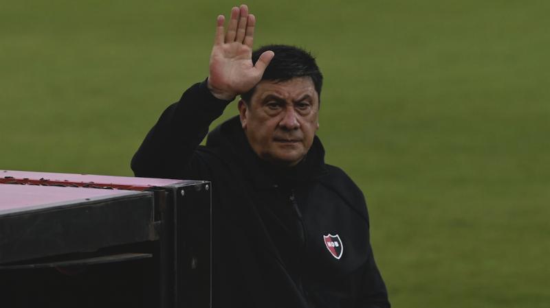 """El """"Mono"""" Burgos negocia los detalles de su desvinculación de Newell's"""