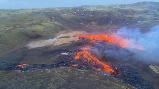 Islandia: la erupción volcánica se extiende aún más con una tercera fisura que arroja lava