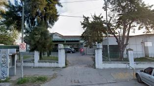 Un muerto y un policía herido tras un enfrentamiento frente a un hospital de San Martín