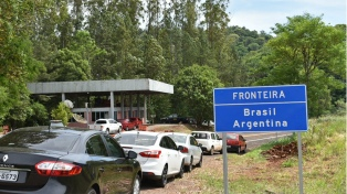 """Carignano: """"En las próximas horas vamos a habilitar fronteras terrestres"""" para turistas"""
