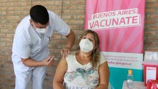 El Gobierno bonaerense asignó casi 120 mil nuevos turnos para vacunar a mayores de 60 años