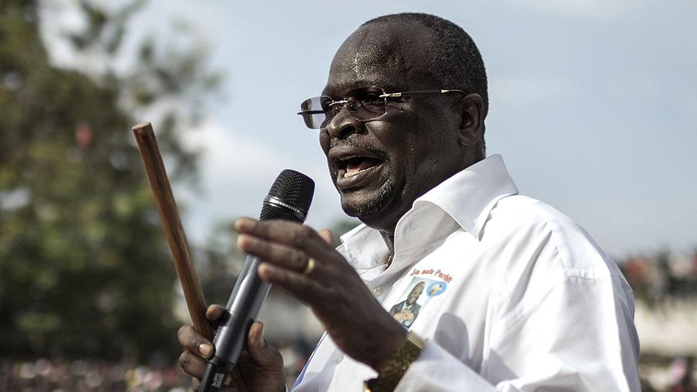 """Kolelas """"murió en el avión sanitario que vino a buscarlo a Brazzaville"""", indicaron desde su entorno."""