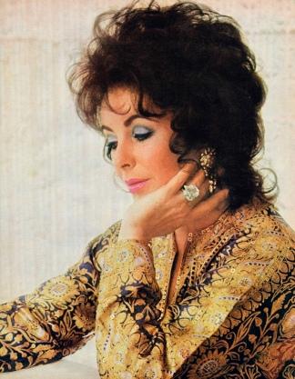 En su retiro se dedicó a la beneficencia y fue amiga de Michael Jackson.