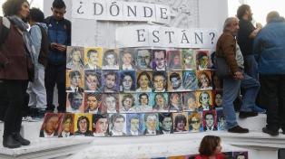 Un artista estadounidense creó un memorial en homenaje a víctimas del terrorismo de Estado
