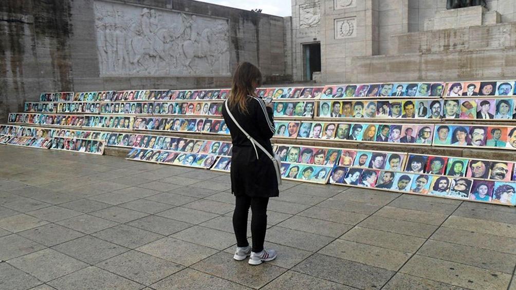 """Uno de los objetivos del monumento es promover la """"educación"""" sobre el período 1976-1983, """"que es fundamental para cumplir el grito de"""