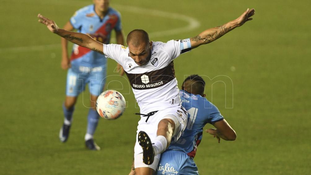 A Platense este punto le alcanzó para alcanzar en el penúltimo puesto a San Lorenzo, ambos con cinco unidades.
