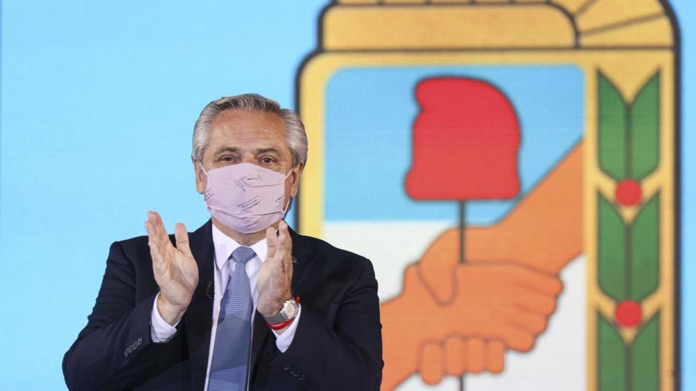 Fernández visitó el laboratorio mexicano que trabaja con Argentina en la vacuna