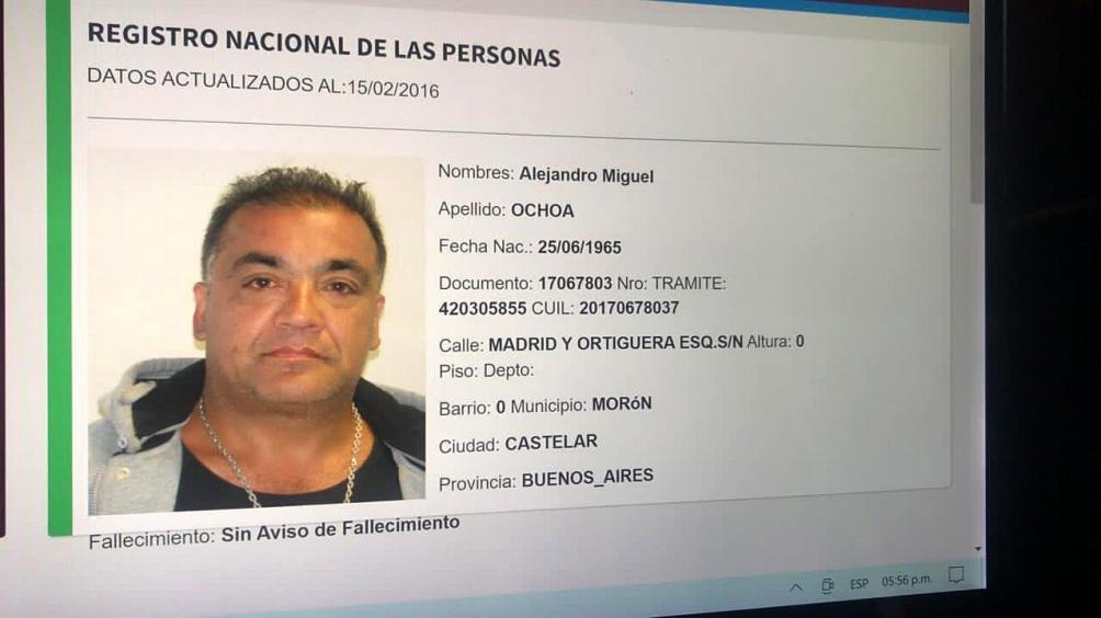 Fue identificado como Alejandro Miguel Ochoa (55), que al momento de ser capturado habría confesado el robo seguido del crimen.