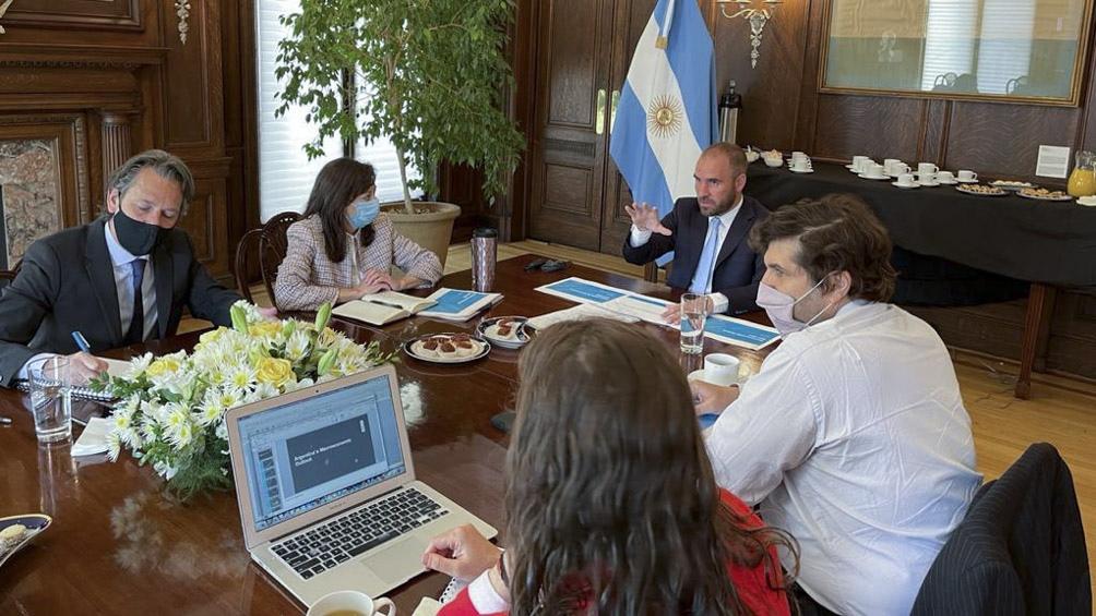 """Guzmán: """"El principal objetivo que se busca es que el acuerdo tenga un sentido que es el de ayudar a la Argentina""""."""