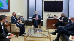 Guzmán se reunió con congresistas de Estados Unidos