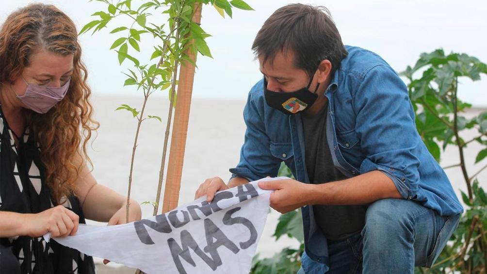 """""""Plantemos Memoria"""" es una actividad organizada para conmemorar el 45 aniversario del último golpe de Estado."""
