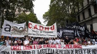"""La izquierda se movilizó a Plaza de Mayo con un llamado a la """"no reconciliación"""""""