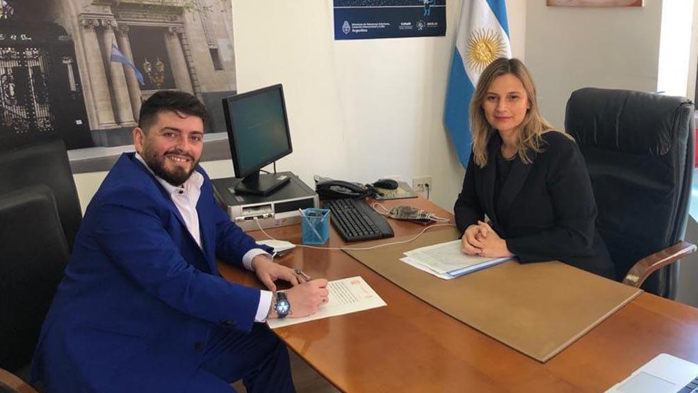 Maradona Jr. recibió la ciudadanía argentina en un acto en el consulado en Roma.