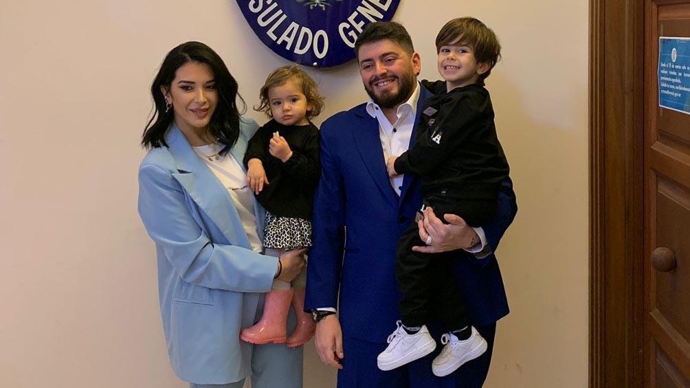 """Acompañado por su mujer y sus dos hijos, Maradona Jr confesó su intención de """"ir a la Argentina a despedirlo como se merece""""."""