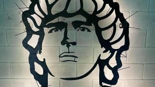 La embajada argentina en Italia emplazará una escultura de Maradona en Nápoles