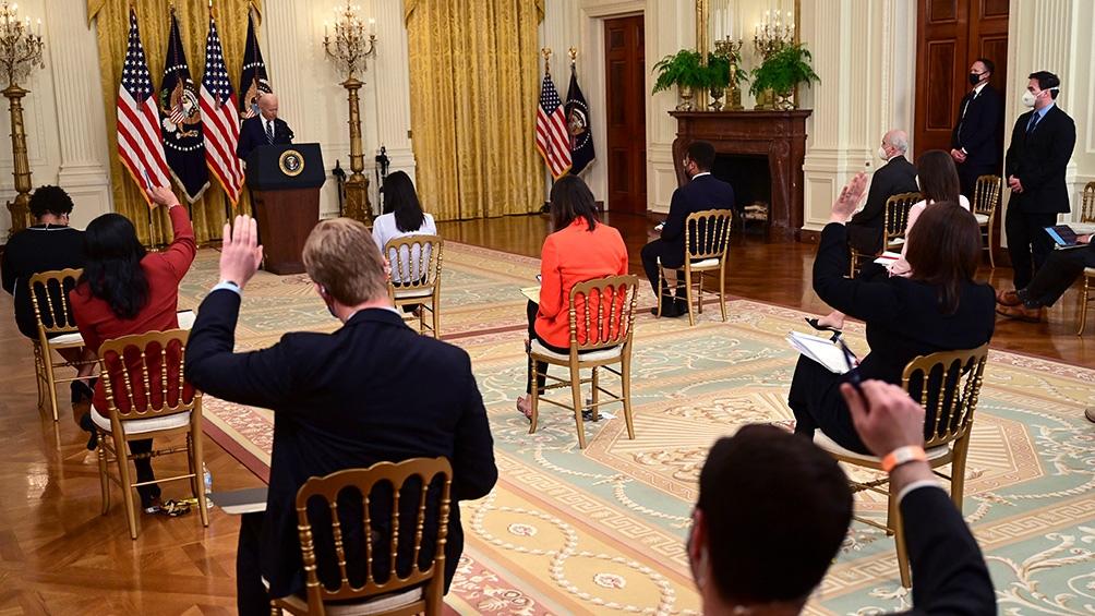 Biden realizó la primera conferencia de prensa de su mandato