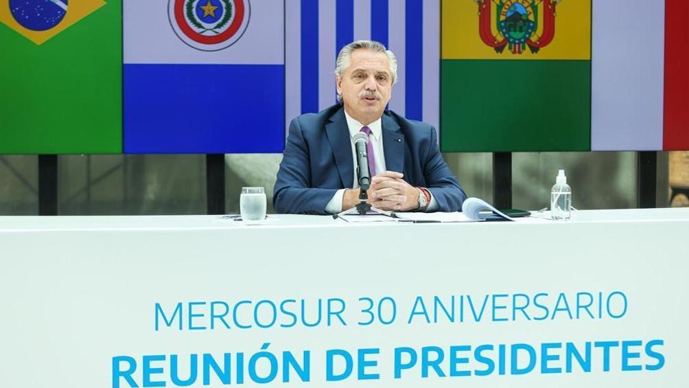 """Fernández destacó """"los consensos muy importantes"""" logrados en estos primeros 30 años."""