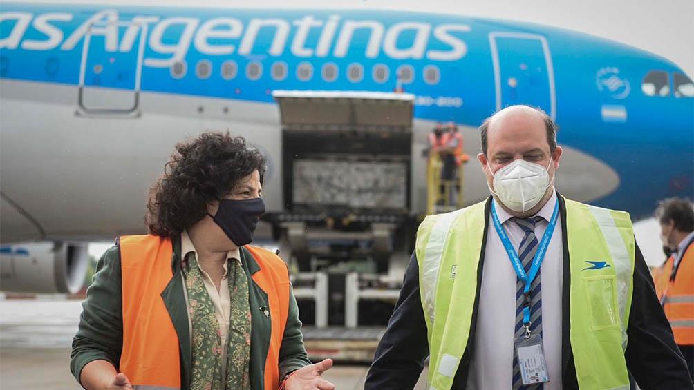 Fue recibido por el presidente de la compañía Pablo Ceriani, la ministra de Salud, Carla Vizzotti, y la asesora presidencial Cecilia Nicolini.