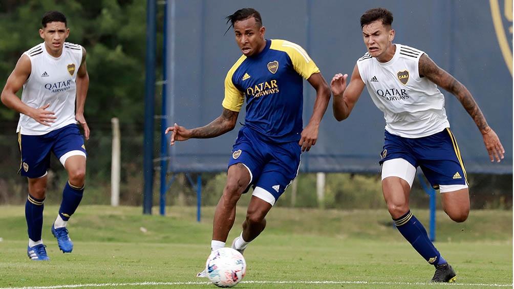 Sebastián Villa se fue enojado de la práctica.