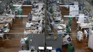 En medio del colapso sanitario Bolsonaro pide a gobernadores que eliminen restricciones