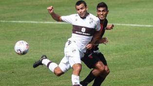 Colón superó a Platense para seguir en lo más alto de la tabla