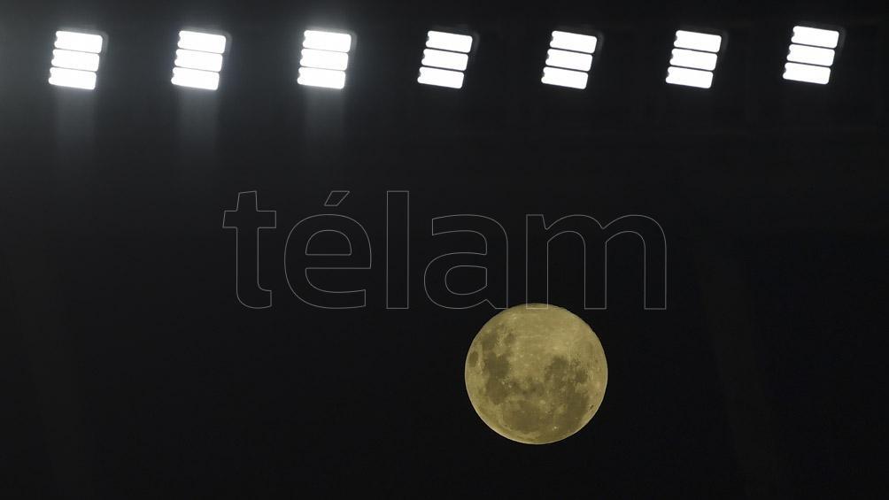 Esta luna marca el inicio de la pascua para el judaísmo y el cristianismo