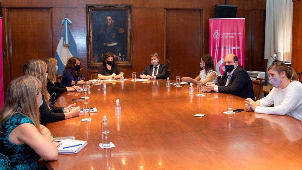 Los ministros se reunieron con empresarios y cámaras de turismo.