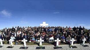 Restos mortais de ex-combatentes das Malvinas que puderam ser identificados foram sepultados nas ilhas