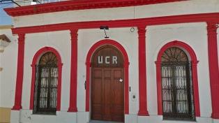 Fuerte repudio a la UCR por el préstamo de un local para un evento de más 150 personas