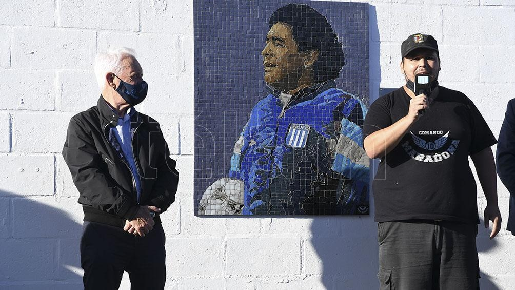 El presidente de Racing, Víctor Blanco, presente en el acto en homenaje a Diego Maradona