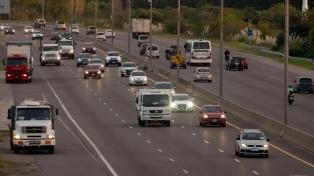 Semana Santa: 2.100 autos por hora circulan por la Autovía 2 rumbo a la costa atlántica