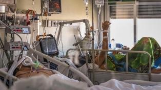 Sólo el 38% de los internados en terapia intensiva son por coronavirus, según un  informe de SATI
