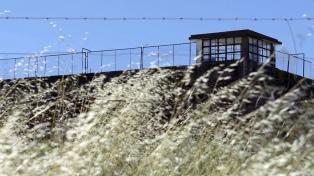 """Lideró el motín de Sierra Chica, fue condenado en un """"videojuicio"""" y sigue preso 25 años después"""