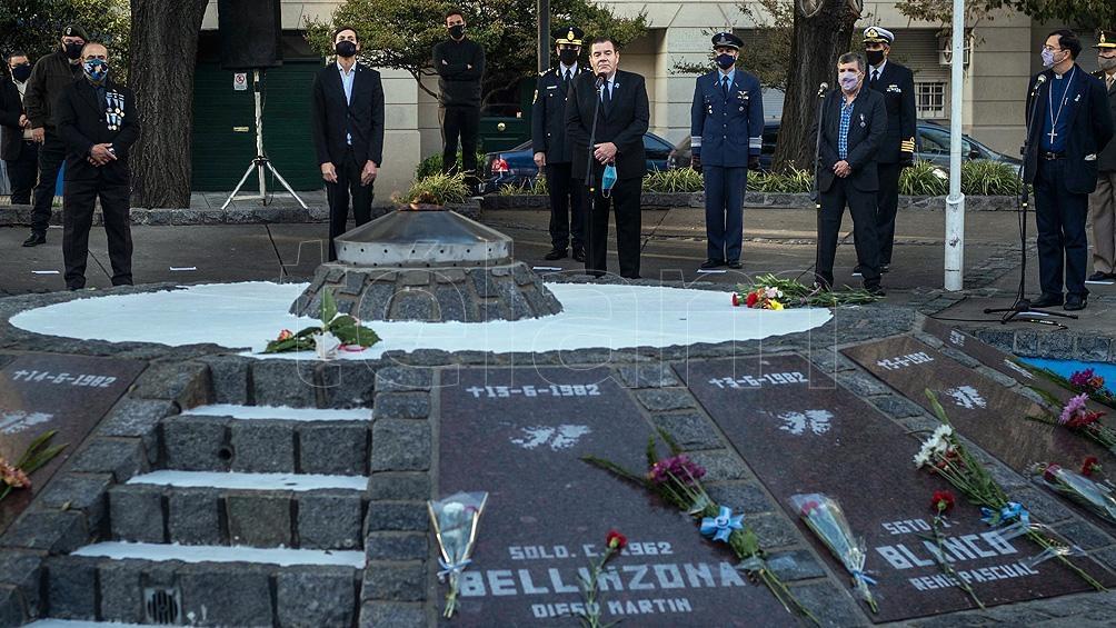 Montenegro encabezó en Mar del Plata el homenaje a los caídos en Malvinas