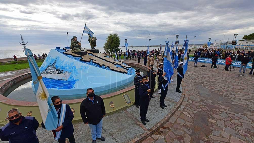 Puerto Madryn homenajeó a los Caídos y Veteranos de Malvinas
