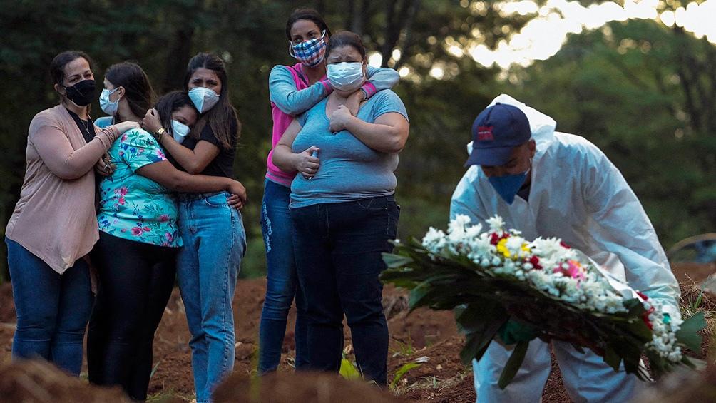 En numerosos países de la región se registran casos de la variante brasileña del coronavirus, la llamada P1; pero la  nueva cepa descubierta en Brasil agrava la preocupación general. (Foto AFP)