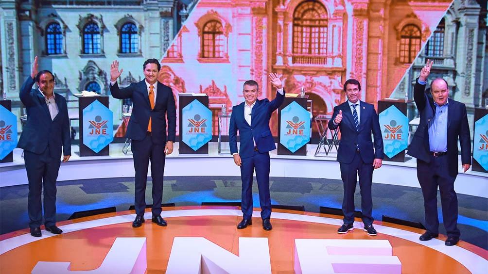 Según dos sondeos, se achican las diferencias entre los principales candidatos