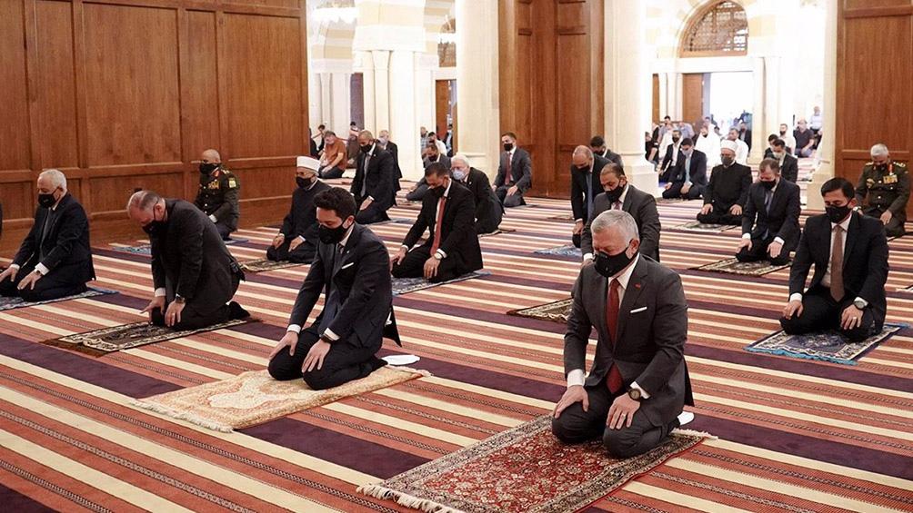 """El príncipe Hamza negó haber participado en un complot y acusó a las autoridades de su país de """"corrupción"""" e """"incompetencia""""."""