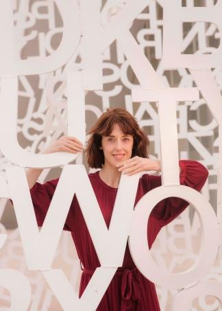 La escritora elogia la literatura argentina. Foto: Jorge Fuembuena.