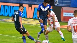 Vélez goleó en Liniers a Unión y le sacó el invicto en un duelo clave